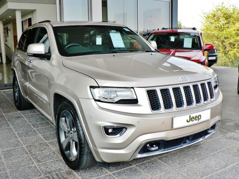 2015 jeep grand cherokee overland for sale 35 500 km automatic transmission molapo motors. Black Bedroom Furniture Sets. Home Design Ideas