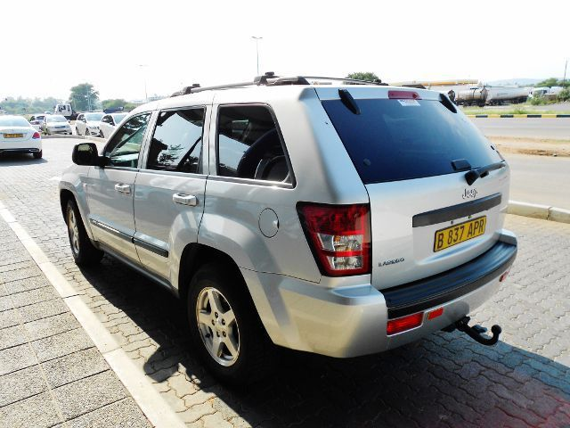 2009 jeep grand cherokee laredo for sale 164 500 km automatic transmission naledi motors. Black Bedroom Furniture Sets. Home Design Ideas