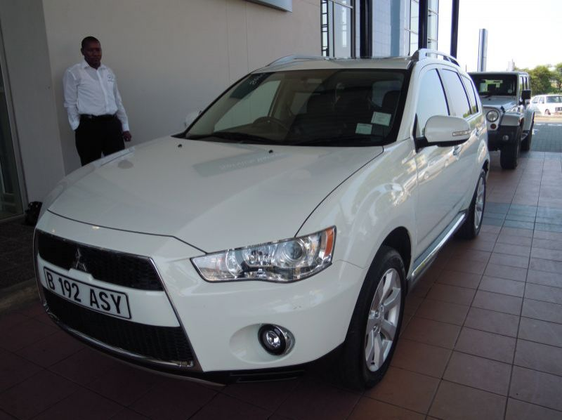 Used Mitsubishi Outlander 2.4 (A) GLS  for sale in Gaborone, Botswana