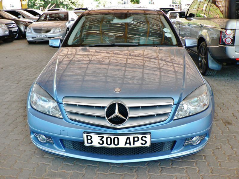 2009 mercedes benz c200 kompressor for sale 164 382 km. Black Bedroom Furniture Sets. Home Design Ideas