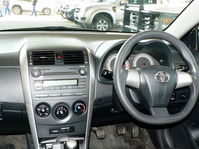 2013 toyota corolla for sale 81 122 km manual transmission xtreme auto. Black Bedroom Furniture Sets. Home Design Ideas