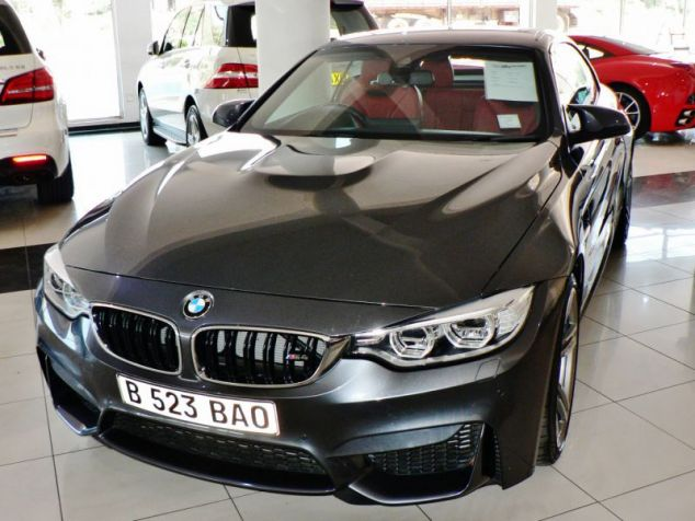 BMW M4  in Paraguay