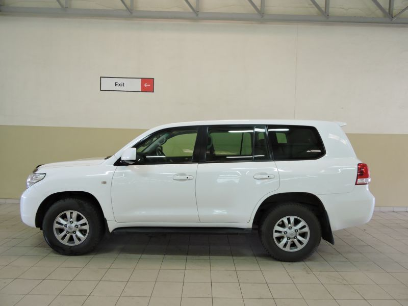 2009 Toyota LANDCRUISER 200 VX pictures
