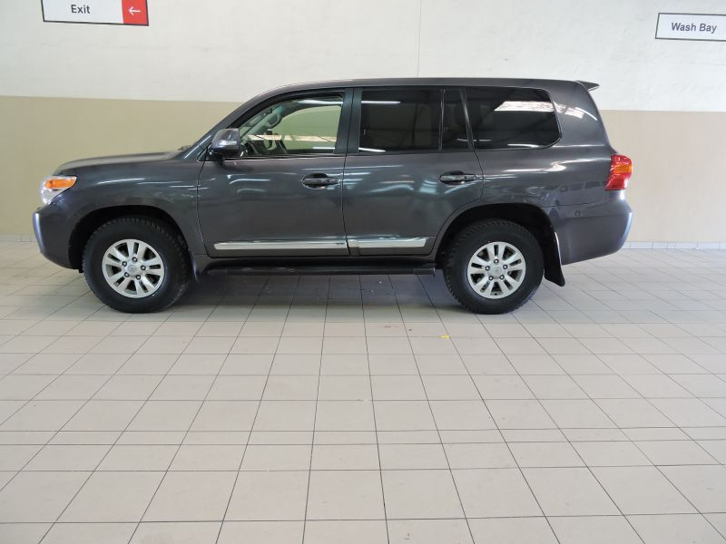 2015 Toyota Land Cruiser 200 V8 4.5d pictures