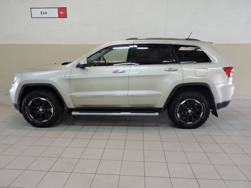 2012 Jeep Grand Cherokee 5.7 V8 pictures