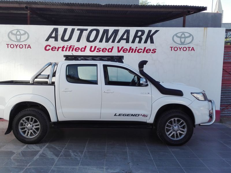 Toyota Hilux 3.0 double cab 4x4 manual legend45 in Paraguay