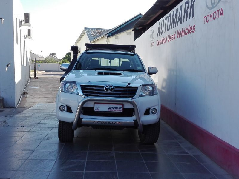 2015 Toyota Hilux 3.0 double cab 4x4 manual legend45 pictures