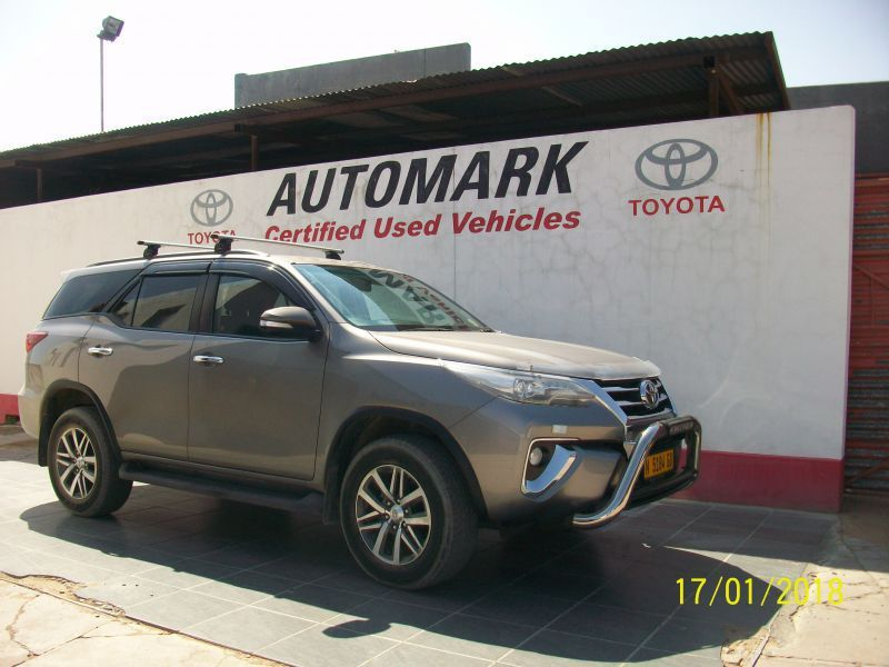 2017 Toyota 2.8 TOYOTA FORTUNER AUTOMATIC 4X4 pictures