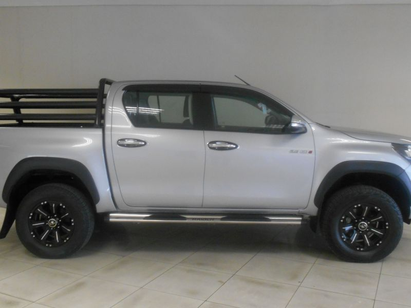 2016 Toyota TOYOTA HILUX 2.8 GD6 4X4 DC pictures