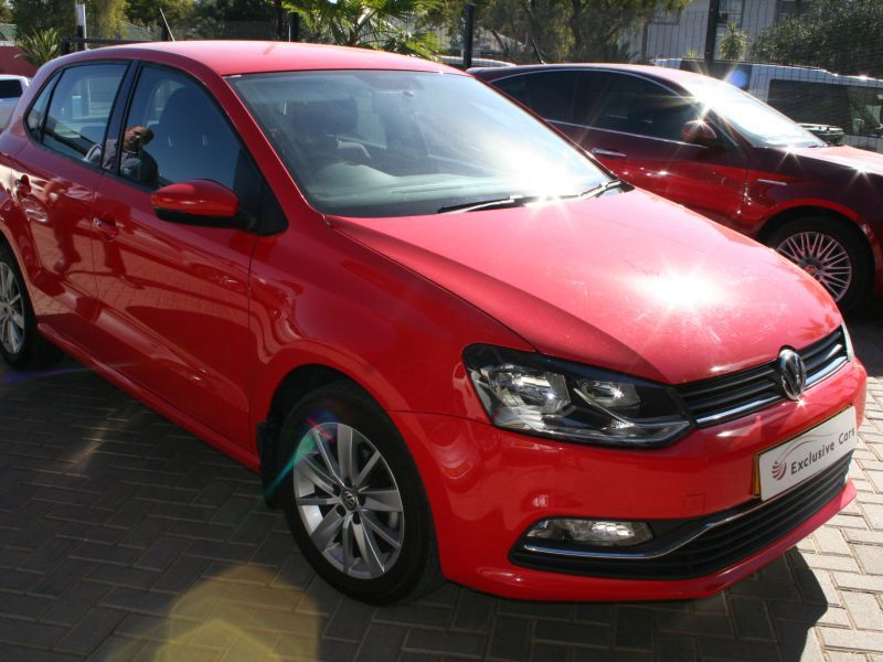 2014 volkswagen polo 1 2 tsi comfortline manual 5 door for sale 67 300 km manual. Black Bedroom Furniture Sets. Home Design Ideas