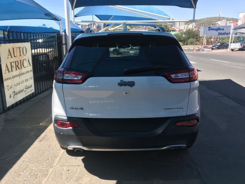 2014 Jeep Cherokee 3.2 V6 Limited AWD A/T pictures