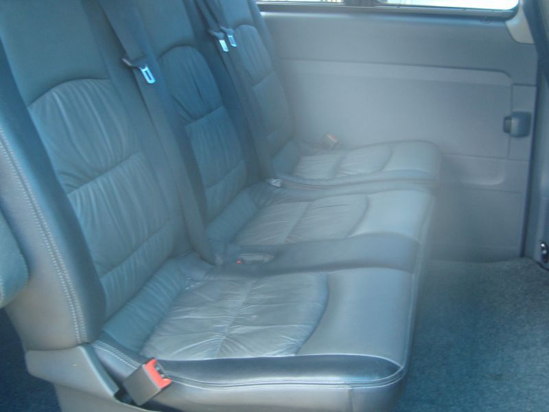 2010 Mercedes-Benz Vito 115 CDI Crew Bus pictures