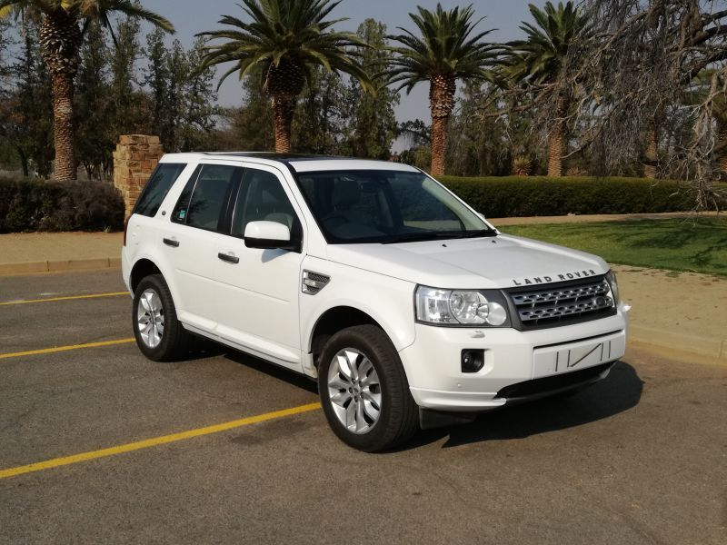 2011 Land Rover Freelander 2 SD4 SE pictures