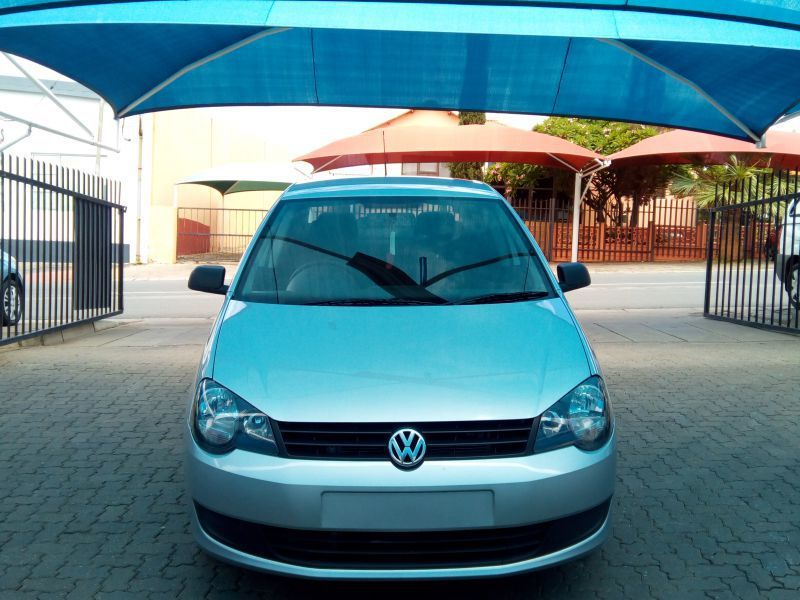 2013 Volkswagen Polo Vivo 1.6 Trendline Sedan pictures