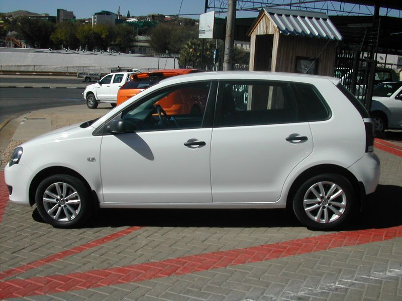 2011 Volkswagen Polo Vivo pictures