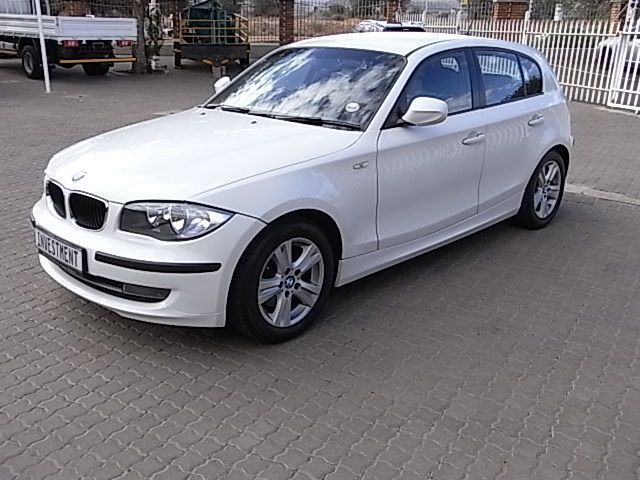 2012 BMW 118i Manual pictures