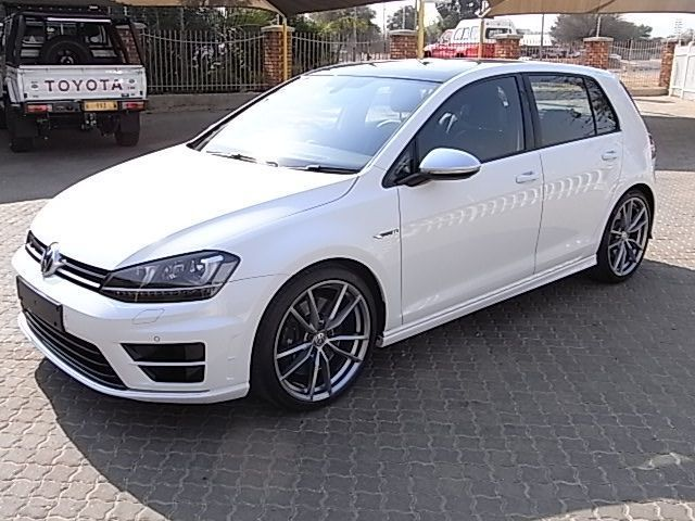 2015 Volkswagen Golf 7 R pictures
