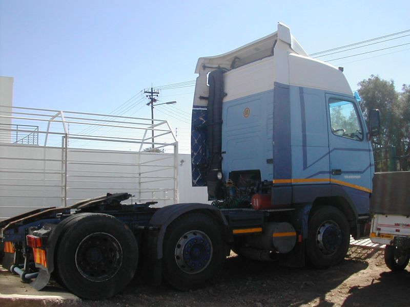 2000 Volvo FH12 pictures
