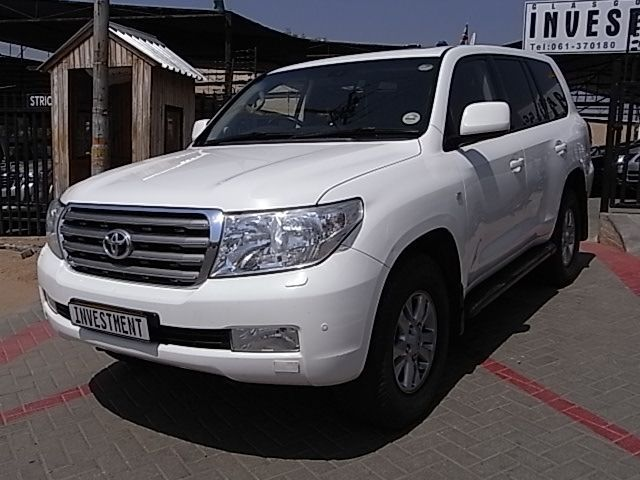 2009 Toyota Land Cruiser V8 pictures
