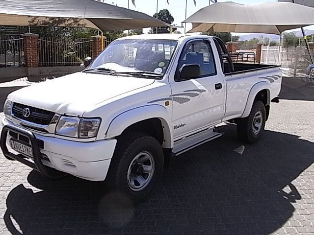 2003 Toyota Hilux 2.7i 2x4 S/cab pictures