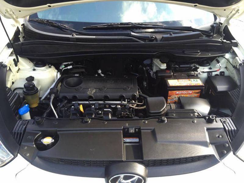 2012 hyundai tucson gls for sale 70 000 km automatic transmission warren borlagdan. Black Bedroom Furniture Sets. Home Design Ideas