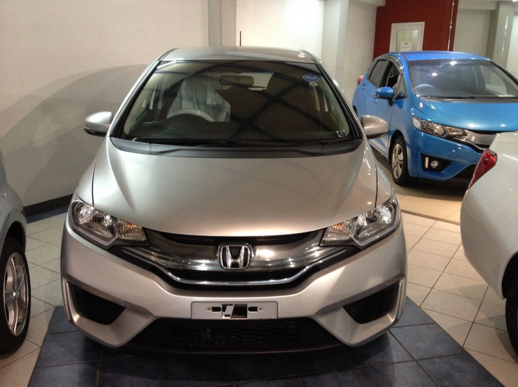 Used Honda FIT - HYBRID - SILVER for sale in Rose Hill, Mauritius