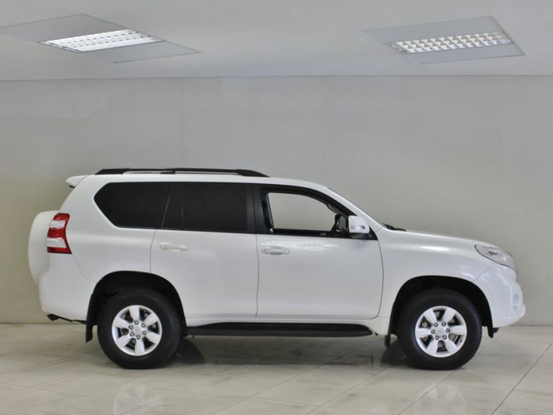 2014 toyota land cruiser prado tx for sale 117 094 km automatic transmission indongo toyota. Black Bedroom Furniture Sets. Home Design Ideas