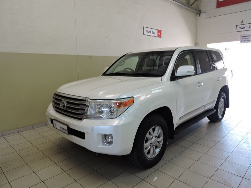 Used Toyota Land Cruiser 200 V8 4.5D V8  for sale in Windhoek, Gobabis, Walvis Bay, Okahandja, Ongwediva, Otjiwarongo, Mariental, Namibia