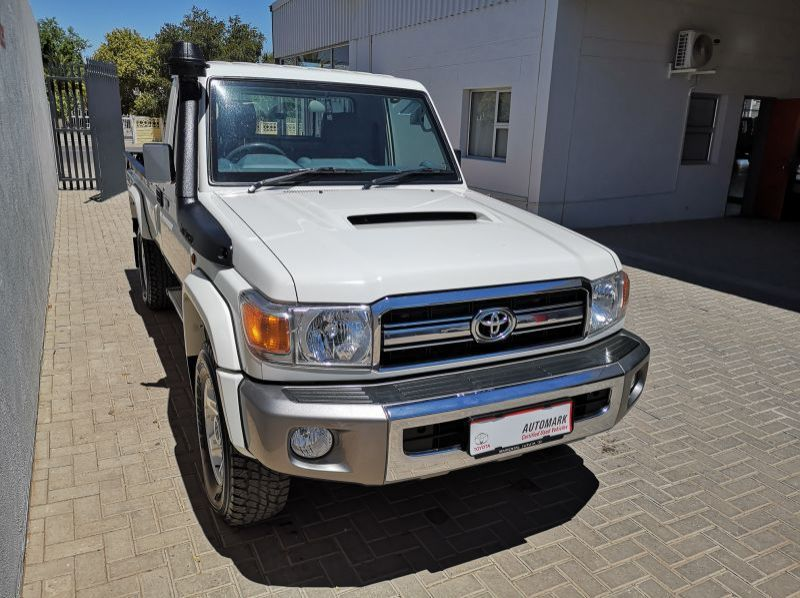 Used Toyota LAND CRUISER V8 SC  for sale in Windhoek, Gobabis, Walvis Bay, Okahandja, Ongwediva, Otjiwarongo, Mariental, Namibia