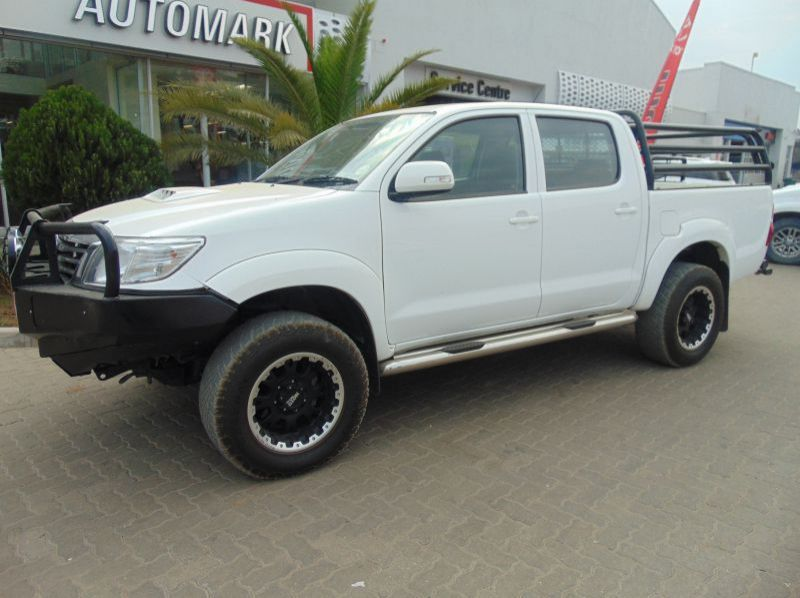 Used Toyota Hilux 2.5 D-4D RB DAKAR EDITION  for sale in Windhoek, Gobabis, Walvis Bay, Okahandja, Ongwediva, Otjiwarongo, Mariental, Namibia