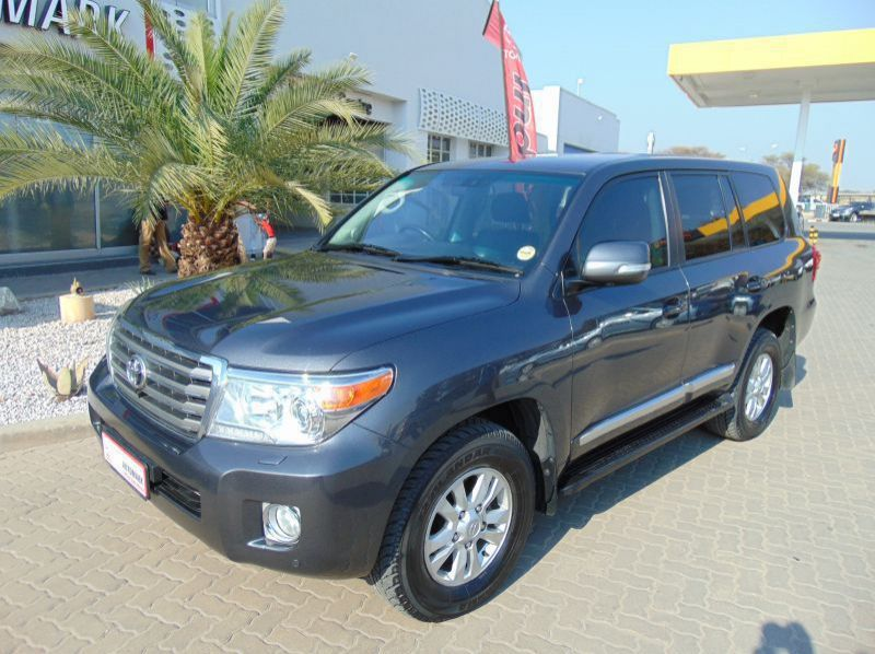Used Toyota LANDCRUISER 200 V8 4.5D VX AT  for sale in Windhoek, Gobabis, Walvis Bay, Okahandja, Ongwediva, Otjiwarongo, Mariental, Namibia