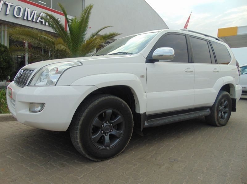 Used Toyota LAND CRUISER PRADO  VX 4.0 V6  for sale in Windhoek, Gobabis, Walvis Bay, Okahandja, Ongwediva, Otjiwarongo, Mariental, Namibia