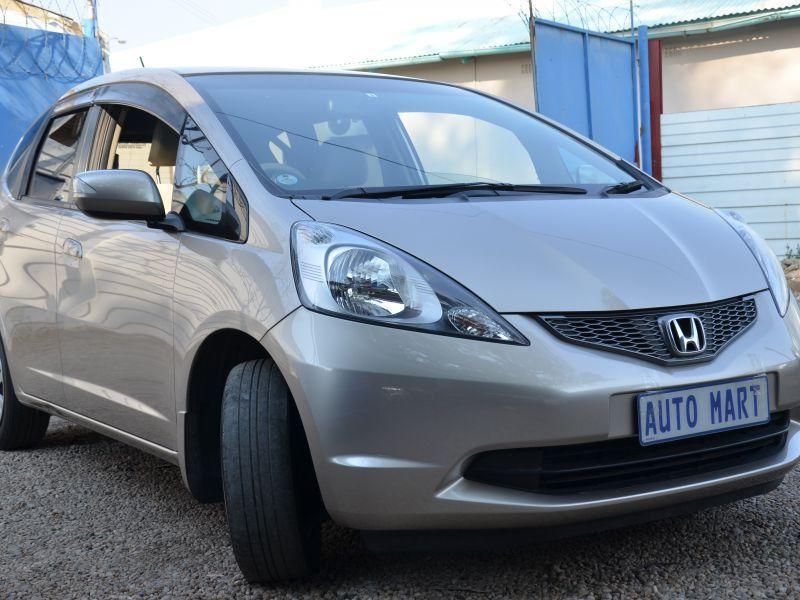 2009 honda fit for sale 84 000 km automatic transmission automart. Black Bedroom Furniture Sets. Home Design Ideas