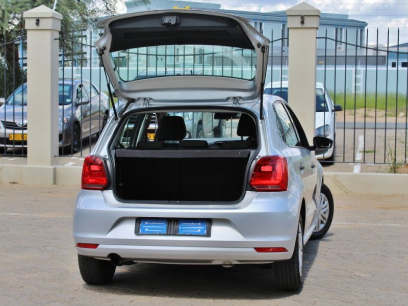 2016 volkswagen polo tsi for sale 42 532 km manual transmission avis car sales ex zeda. Black Bedroom Furniture Sets. Home Design Ideas
