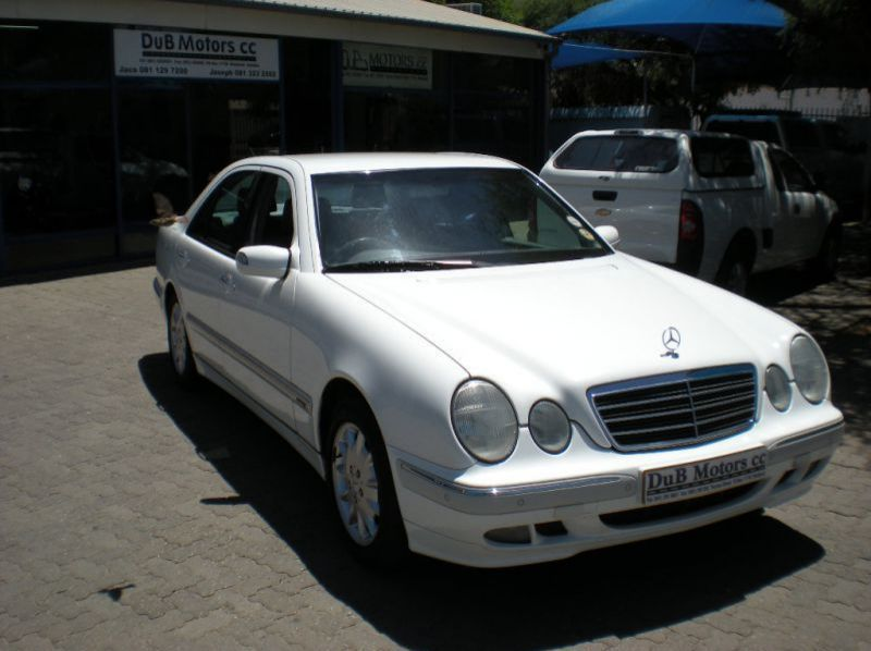 Used Mercedes-Benz E240 Elegance  for sale in Windhoek, Namibia