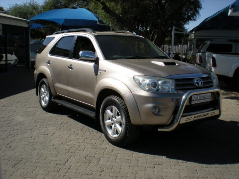 Used Toyota Fortuner 3.0 D4D 4x4 Manual  for sale in Windhoek, Namibia