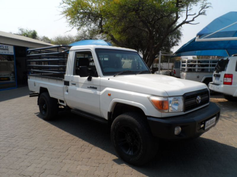 Used Toyota Landcruiser 79 4.0i S/Cab  for sale in Windhoek, Namibia