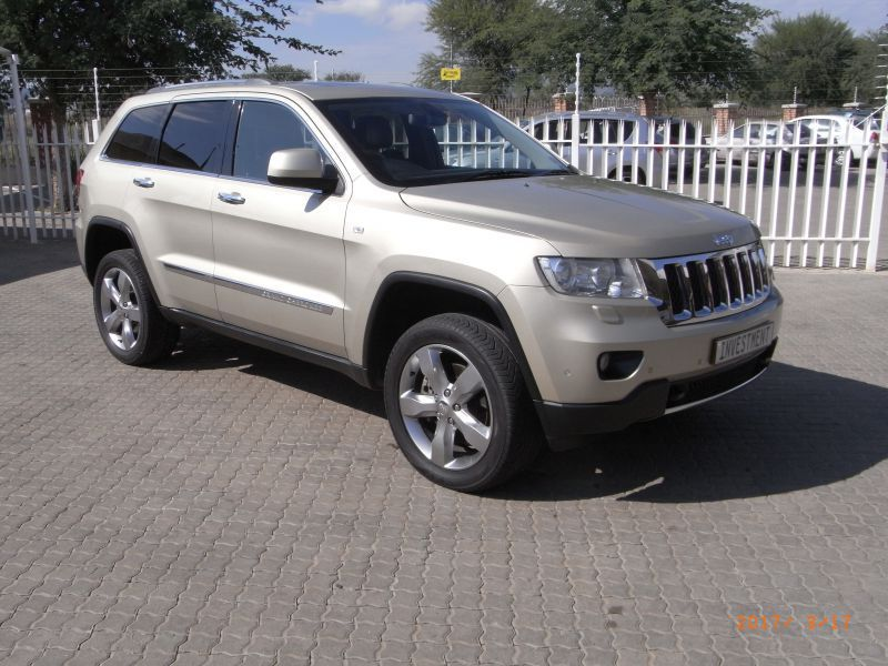 2011 jeep grand cherokee 5 7 v8 hemi for sale 85 000 km. Black Bedroom Furniture Sets. Home Design Ideas