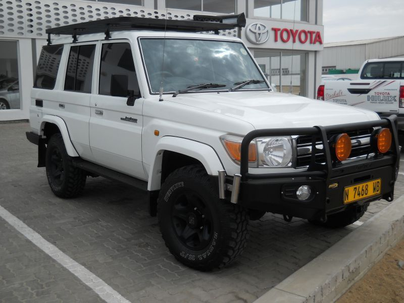 2009 toyota land cruiser 4 2d 70 sw for sale 165 000 km manual transmission steckels. Black Bedroom Furniture Sets. Home Design Ideas