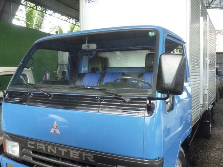 1991 Mitsubishi Canter Delivery Aluminum Closed Van 4D32