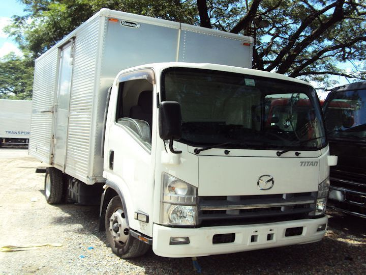 2018 Isuzu Elf Aluminum Closed Van for sale | 100 000 Km - Truck